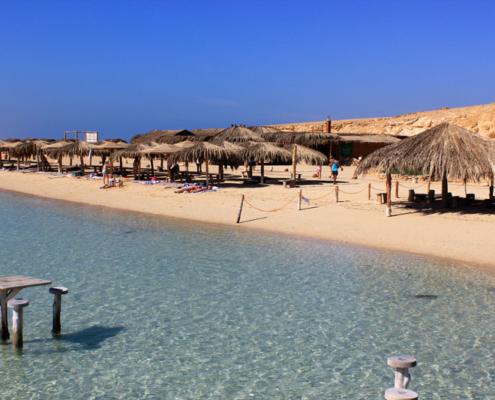 weißer Karibikstrand vor Orange Bay Aegypten